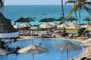 6 DAYS | 5 NIGHTS IN STONE TOWN & BEACH AT 4* HOTELS (Dhow Palace Hotel and Z hotel)